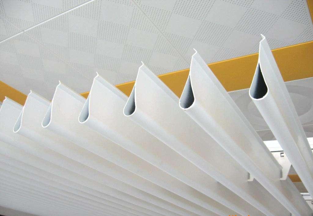 Drip-type aluminum hanging piece ceiling